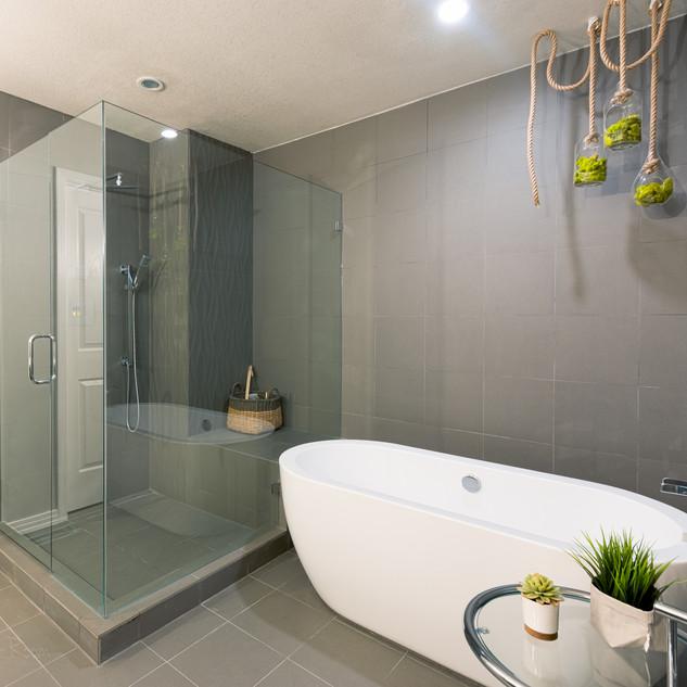 Master Bath-1.jpg