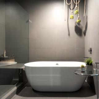 Master Bath-5.jpg