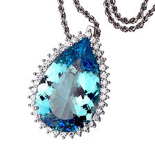 Aquamarine, Pendants, necklaces, rings, earrings, Diamonds, 18kt Gold, Fine jewelry,