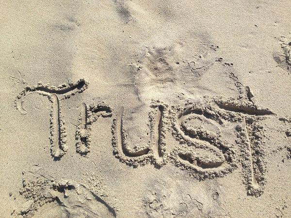 trust-1418901_1920.jpg