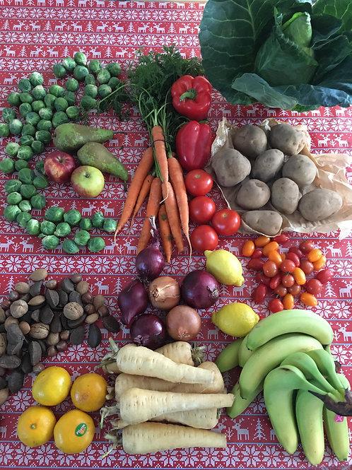 Deluxe Christmas Veg-Fruit-Salad Box (6-8 people)