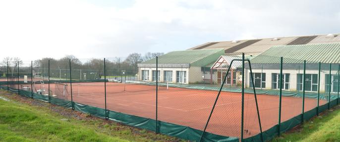 Court de Tennis en terre batue
