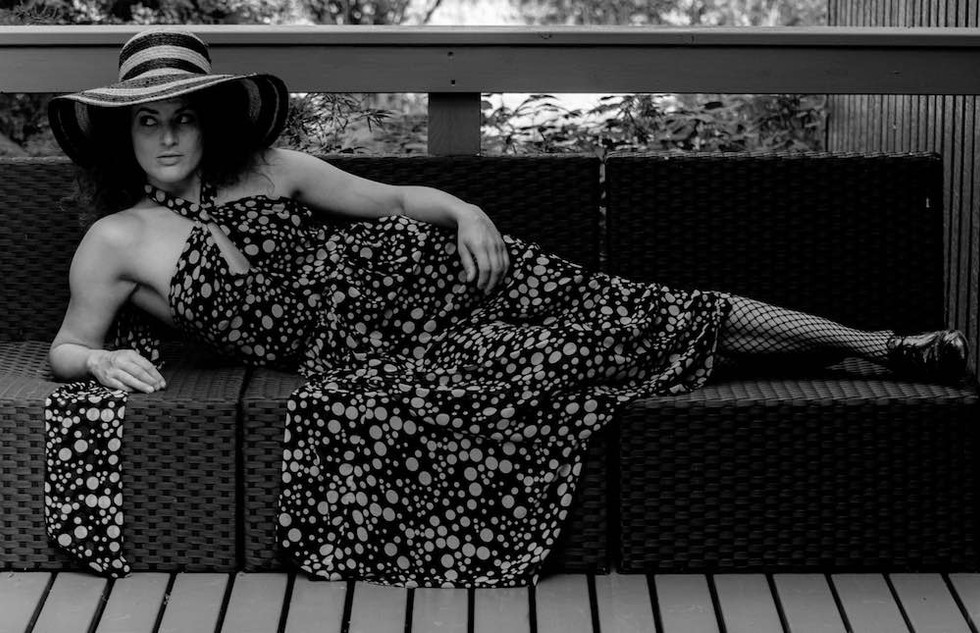 Loimovuori, lady with a hat 2.jpg