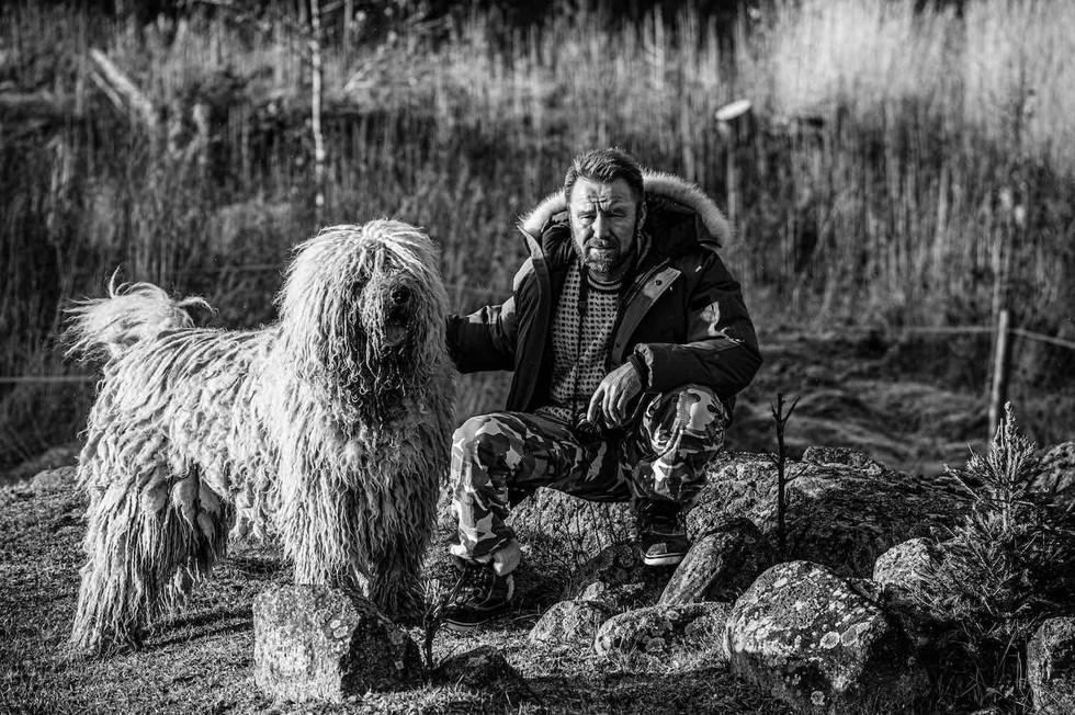 Loimovuori Photography-people-dog.jpg