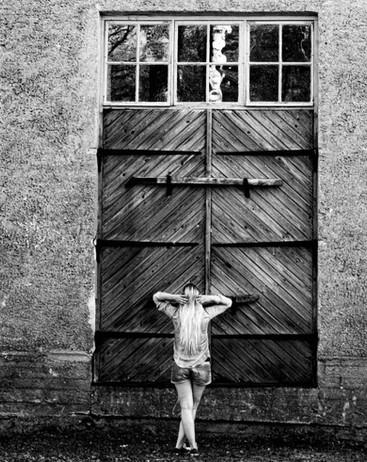 Loimovuori Photography, back on the door