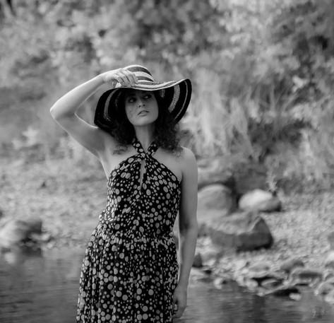 Loimovuori, Lady with a hat1.jpg