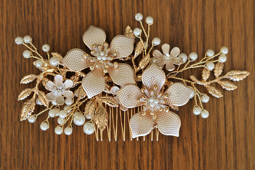 Gold and Pearl Flower Comb