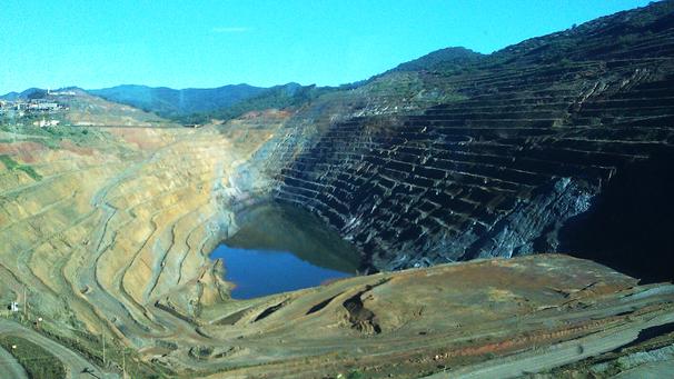 Da lama tóxica ao aquecimento/esquecimento global