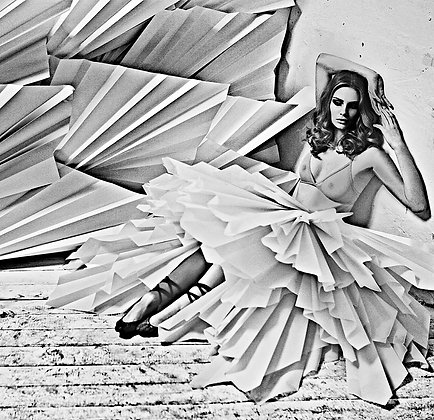 Paper / Fashion photograph / Lars H / 4 of 20.