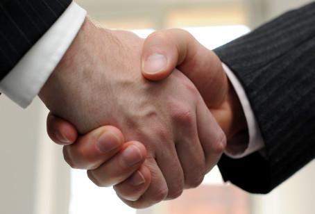 Patří politika do byznysu?