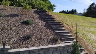 Custom Steps to Match Exisiting Retaining Wall