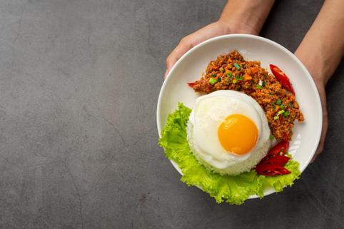 crispy-omelet-topped-with-minced-pork-mi