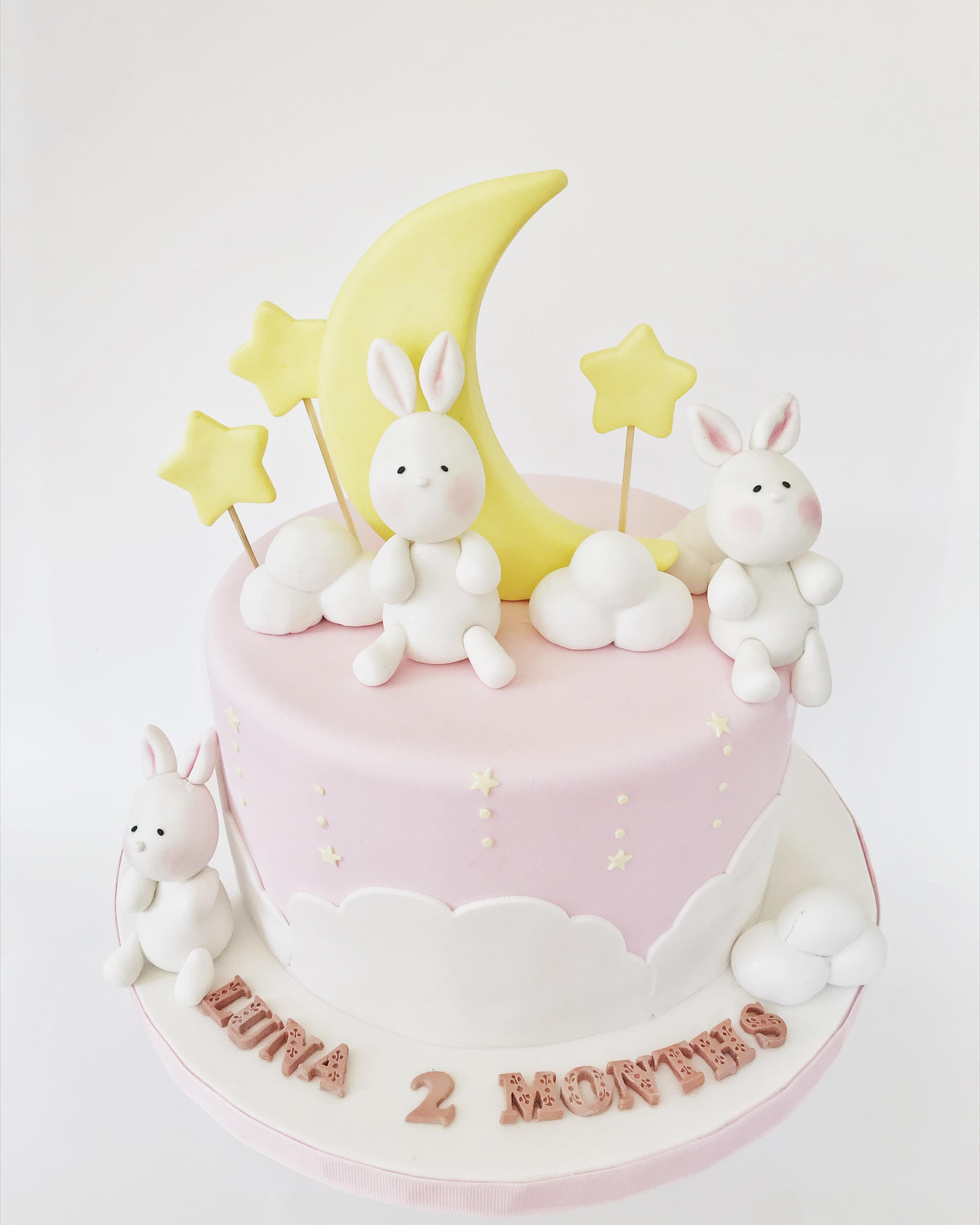 Bunnie starts cake