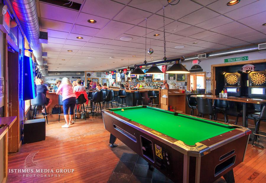 IMG - GBV - Bucky's Lakeside Pub & Grill - 03.jpg