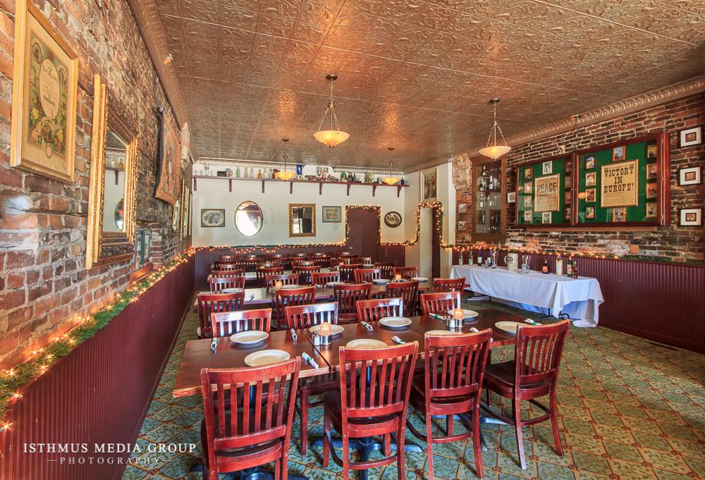 Essen Haus Restaurant & Bar