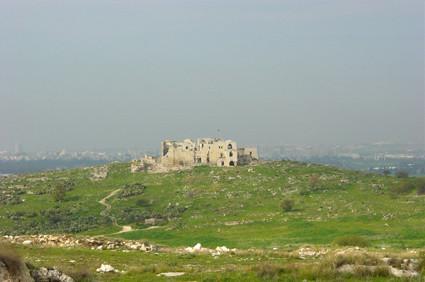 Die Ruine der Burg Mirabel in der Nähe Tel Avivs
