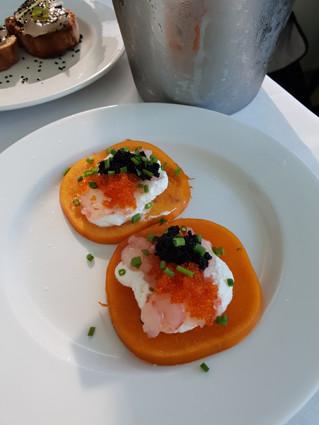 "Kaviar-Vorspeise bei ""Uri Buri"" in Akko"