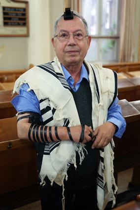 mein Schwiegervater mit Tefilin, Foto: Tamir Yehuda