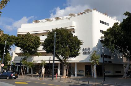 Das Hotel Cinema auf dem Dizengoffplatz in Tel Aviv