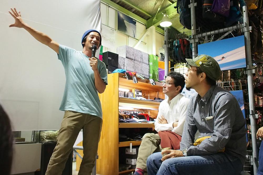最近、トークイベントに出演する回数が増えた古瀬和哉。大好きなスキーの話は特に饒舌。