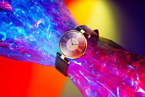 Orologio Cartier su Plastica.jpg