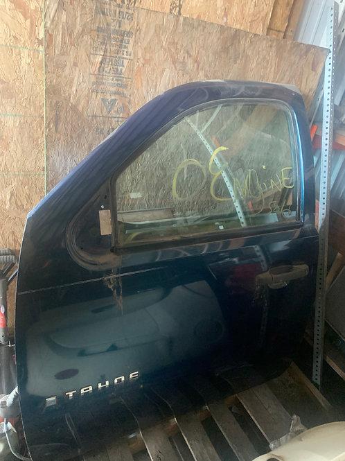 2007 Chevy Tahoe  Drivers Side Door (electric)