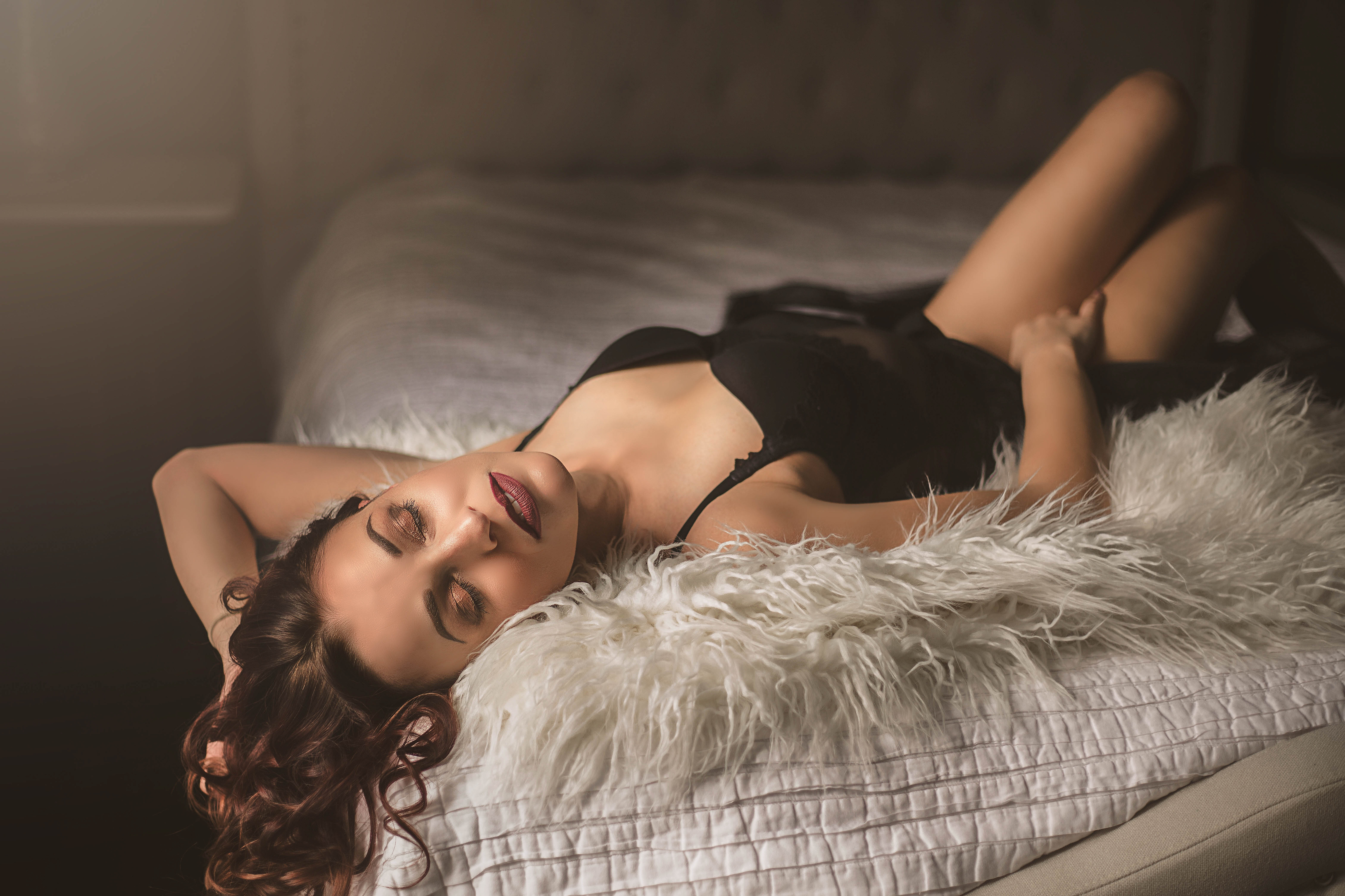 Boudoir (BOOK NOW FOR 100$ OFF)