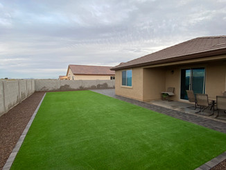 Design with Synthetic Grass and Paver Border