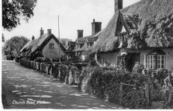 thatched-cottages-in-church-road1