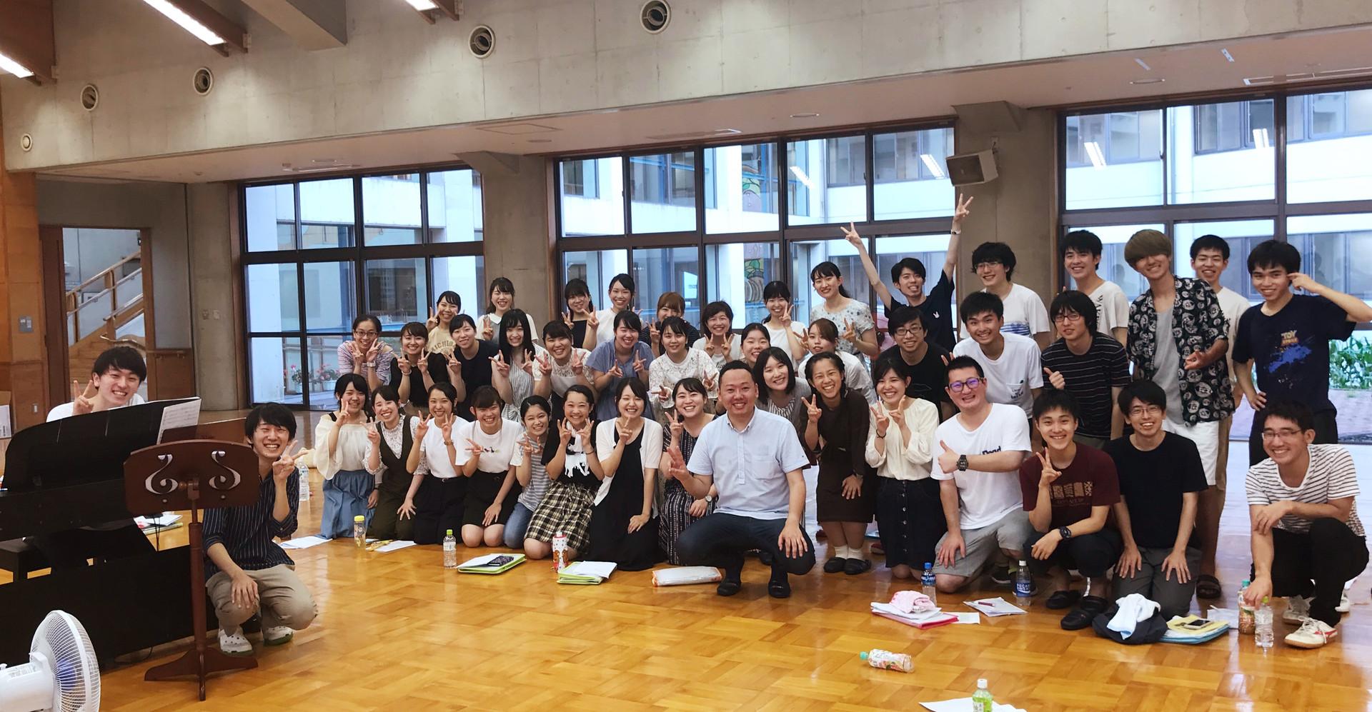 福島県立医科大学混声合唱団「燦」の皆さんと