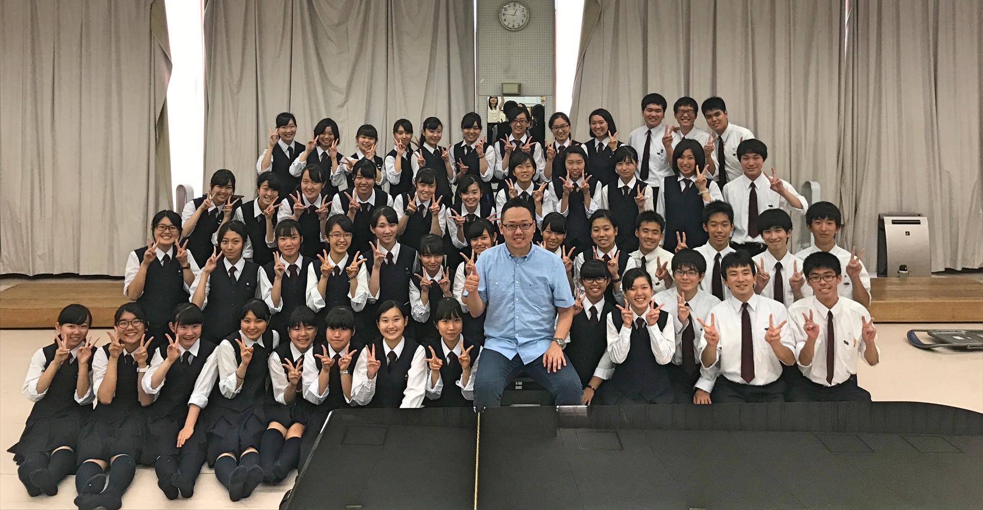 伊奈学園総合高等学校合唱部の皆さんと。  2017.7