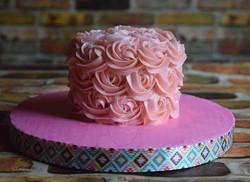 A wee adorable little smash cake