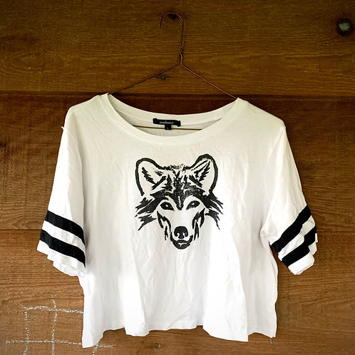 "HANDMADE ""U R NOT ALONE WOLF"" LINO-CUT CROP TEE"