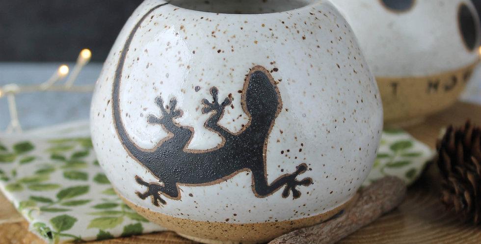 Ваза с саламандрой