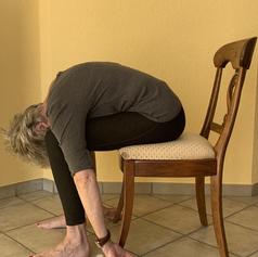Yoga sur sa chaise