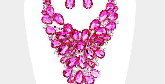 Fushia stone V stone necklace