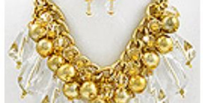 Gold and clear necklace set