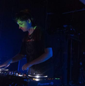 DJ - Electronic