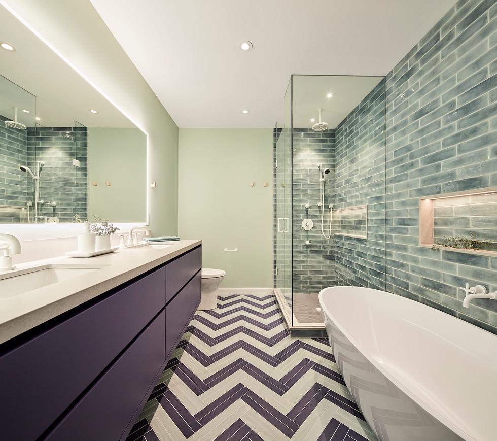 Master Bathroom-s.jpg