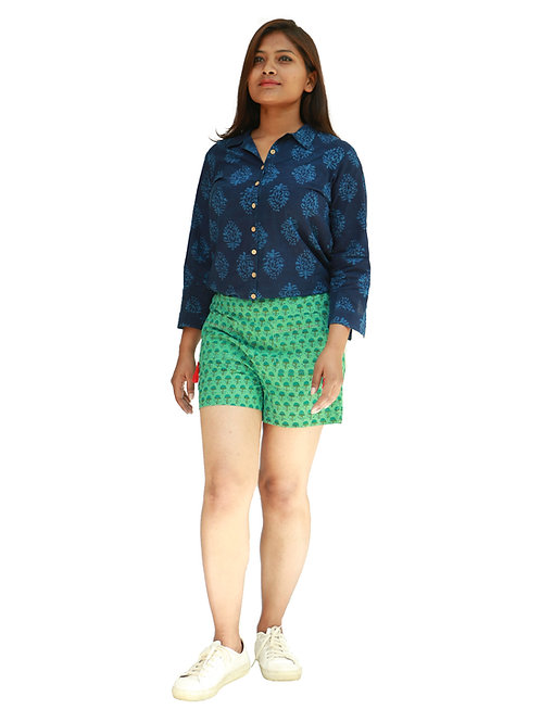 HunarWE Women Navy Blue Prinetd Top With Green Printed Shorts