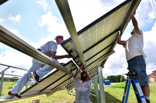 Energy News Network: Solar companies flock to Illinois