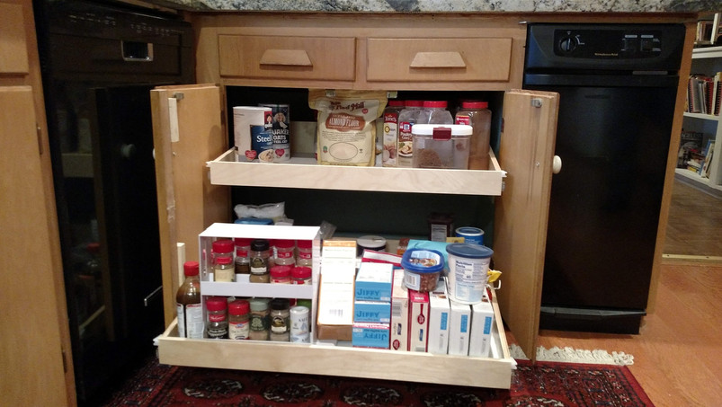 Cabinet center style cut for wide pull out shelf