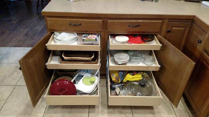 Extra space with pull out shelves