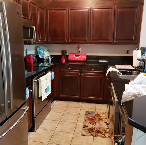 Kitchen pre-staged