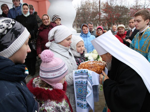 В ДЕНЬ НАРОДНОГО ЕДИНСТВА И ПРАЗДНОВАНИЯ КАЗАНСКОЙ ИКОНЫ БОЖИЕЙ МАТЕРИ ЕПИСКОП ЛИВЕНСКИЙ И МАЛОАРХАН