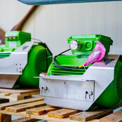 green-marine-motors-in-stock-490x490.jpg
