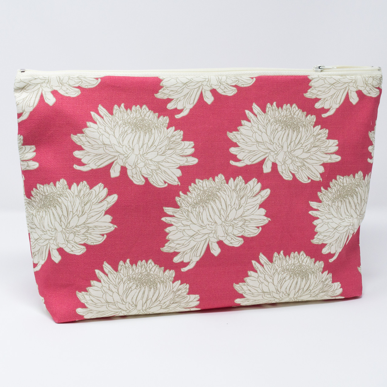Cream Chrysanthemum Magenta