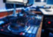 remote-control-in-the-recording-studio-n