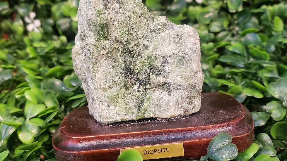 Diopside on Stand