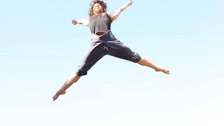 Acrobatics Dance Circus workshops in Paris